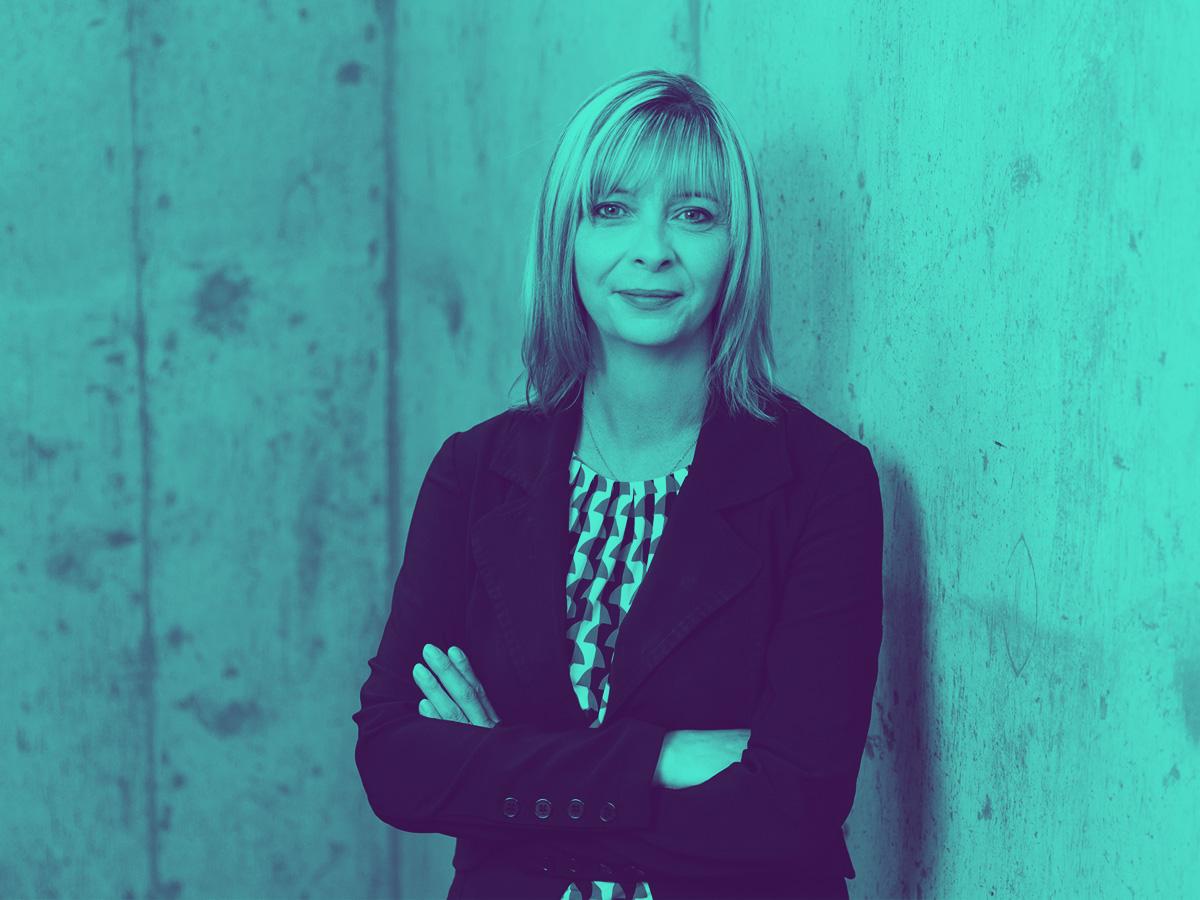 portrait of Julie Carter